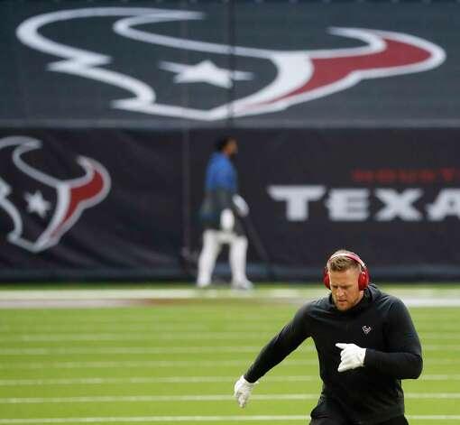Houston Texans defensive end J.J. Watt warms up before the start of an NFL football game at NRG Stadium, Sunday, December 6, 2020, in Houston. Photo: Karen Warren, Staff Photographer / © 2020 Houston Chronicle