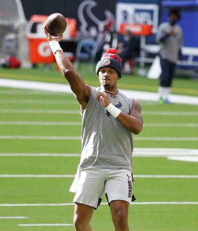 Houston Texans quarterback Deshaun Watson (4) warms up before the start of an NFL football game at NRG Stadium, Sunday, December 6, 2020, in Houston. Photo: Karen Warren, Staff Photographer / © 2020 Houston Chronicle