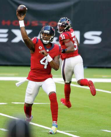 Houston Texans quarterback Deshaun Watson (4) passes the ball to wide receiver Keke Coutee (16) during the second half of an NFL football game at NRG Stadium, Sunday, December 6, 2020, in Houston. Photo: Karen Warren, Staff Photographer / © 2020 Houston Chronicle