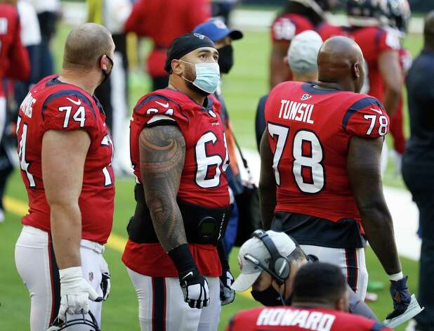 Houston Texans offensive guard Senio Kelemete (64) wears a face mask on the sideline during the second half of an NFL football game at NRG Stadium, Sunday, December 6, 2020, in Houston. Photo: Karen Warren, Staff Photographer / © 2020 Houston Chronicle