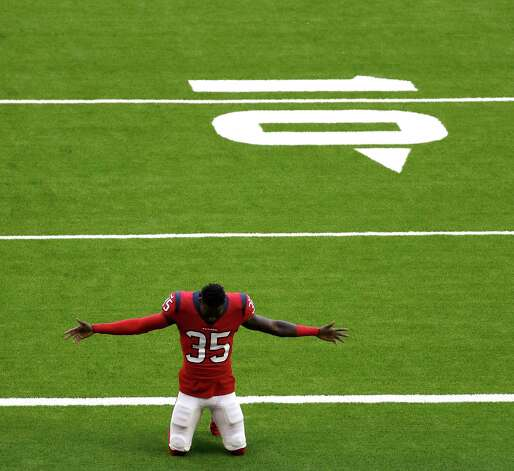 Houston Texans cornerback Keion Crossen (35) prays in the end zone before the start of the first half of an NFL football game at NRG Stadium, Sunday, December 6, 2020, in Houston. Photo: Karen Warren, Staff Photographer / © 2020 Houston Chronicle