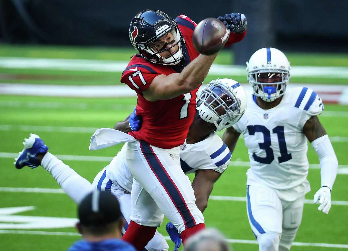 Chad Hansen couldn't corral this pass, but caught five others for 101 yards in his Texans debut Sunday.