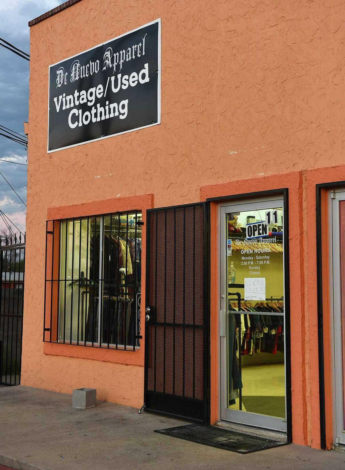 An exterior view of De Nuevo Apparel vintage and used clothing store is seen on Saturday, Dec. 5.
