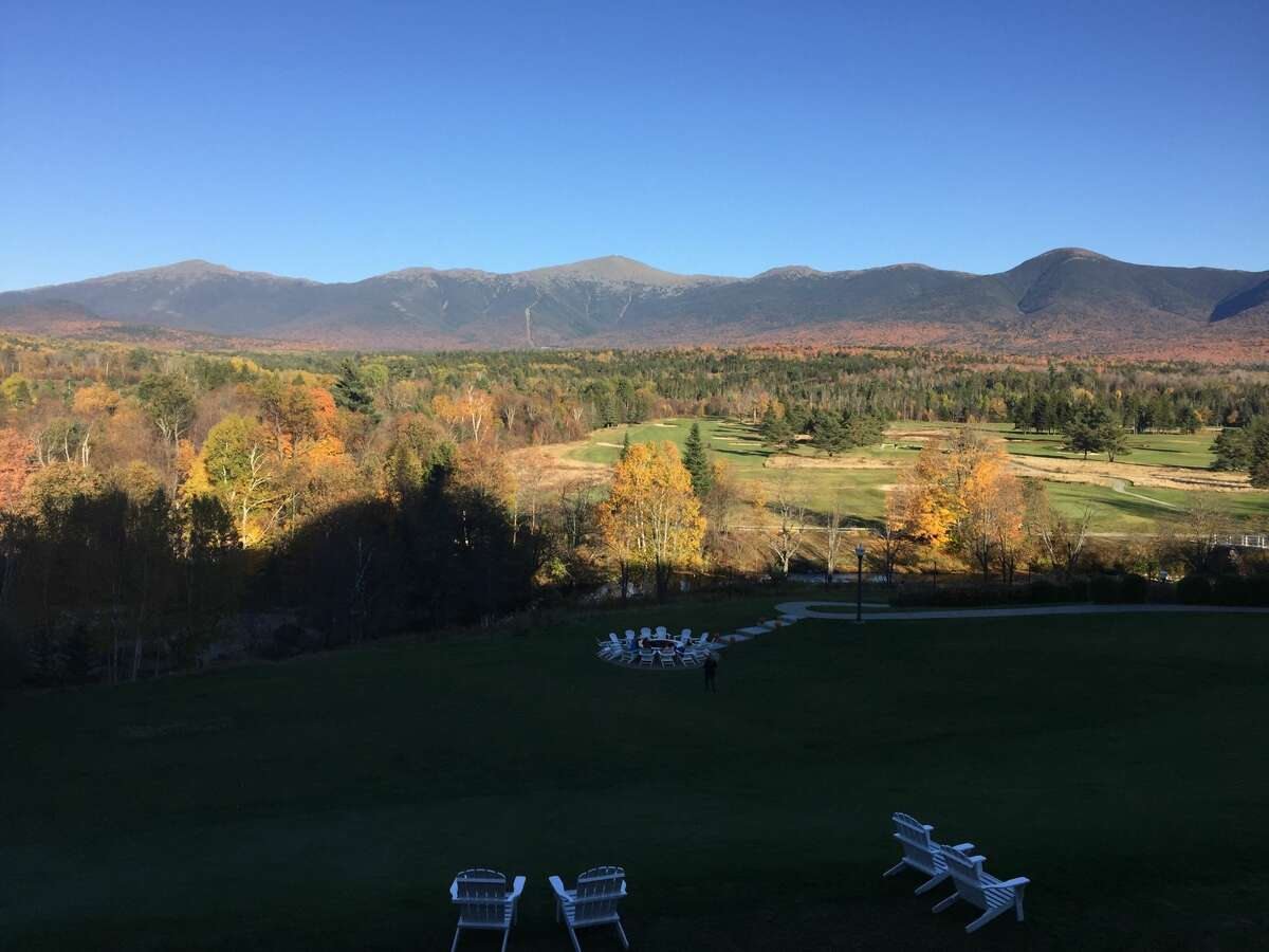 The Omni Mount Washington Resort not only comes with nice accommodations for a romantic retreat, but beautiful mountain views as well.