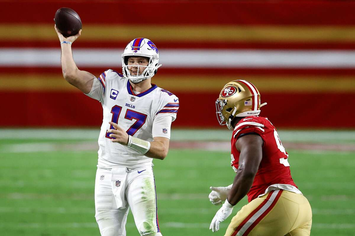 GLENDALE, ARIZONA - DECEMBER 07: Quarterback Josh Allen #17 of the Buffalo Bills looks to pass during the third quarter of a game against the San Francisco 49ers at State Farm Stadium on December 07, 2020 in Glendale, Arizona. (Photo by Christian Petersen/Getty Images)