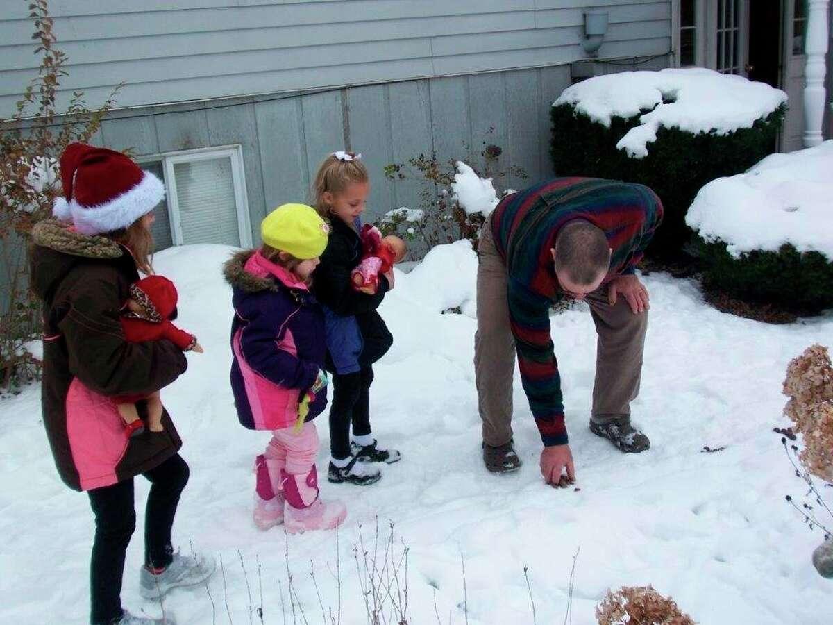 Writer Tom Lounsbury explains to his grandchildren the