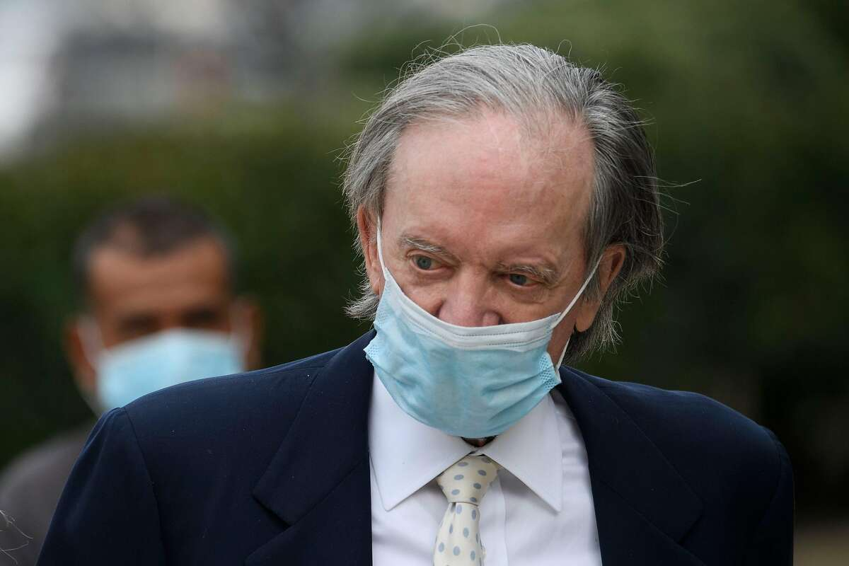 Bill Gross, founder of invetment company PIMCO, arrives for a court hearing in Santa Ana, California, December 7, 2020. - Mark Towfiq and wife Carol Nakahara are suing neighbors Bill Gross and Amy Schwartz over complaints that they played loud music, including the theme to Gilligan's Island, in response to a dispute over an art installation on Gross' property, while Gross filed a cross-complaint against his neighbor.