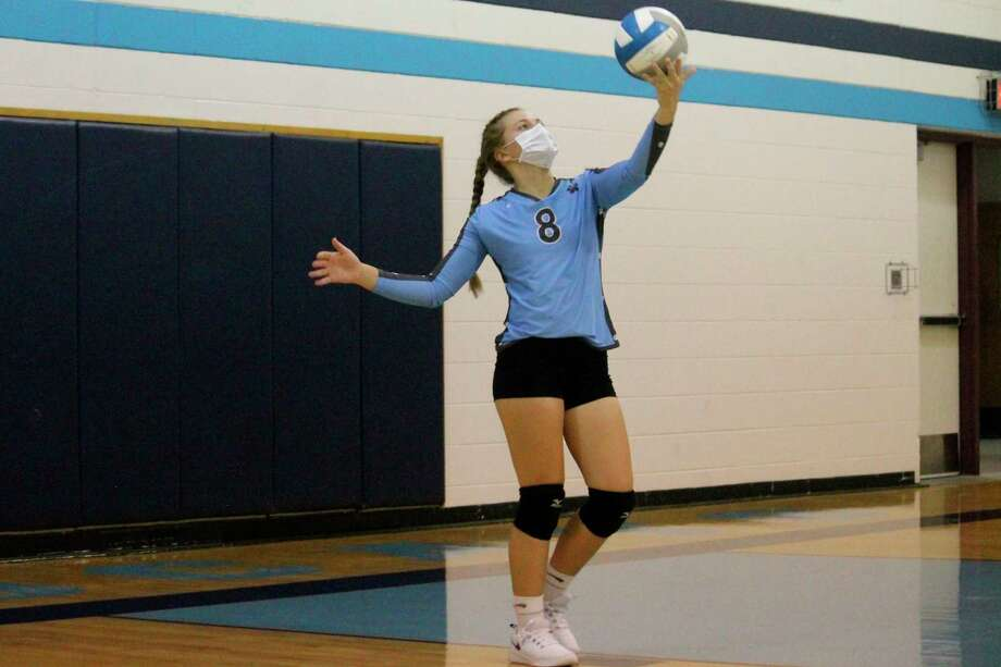 Halle Richardson serves the ball against Bear Lake on Oct. 1. (File photo)