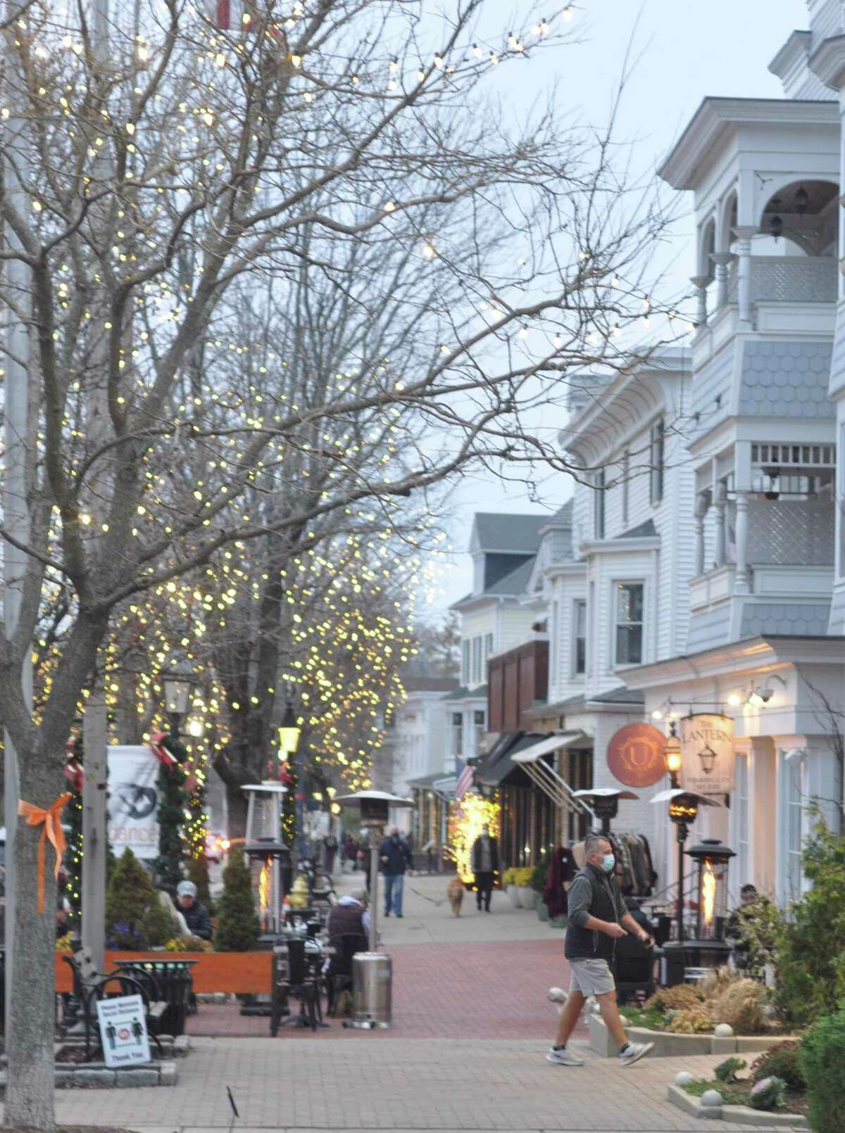 Main Street welcomes shoppers this holiday season, with social distancing practiced at businesses. In a tough year, many business could use help.