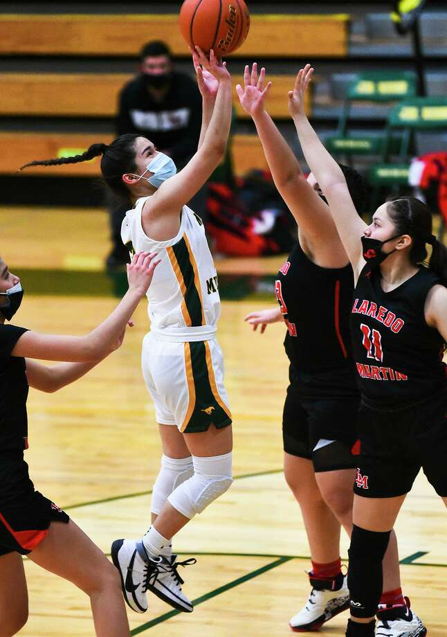 Rosa Cavazos and Nixon improved to 5-2 Tuesday closing out their non-district schedule with a 55-32 victory at home over rival Martin. Photo: Danny Zaragoza /Laredo Morning Times