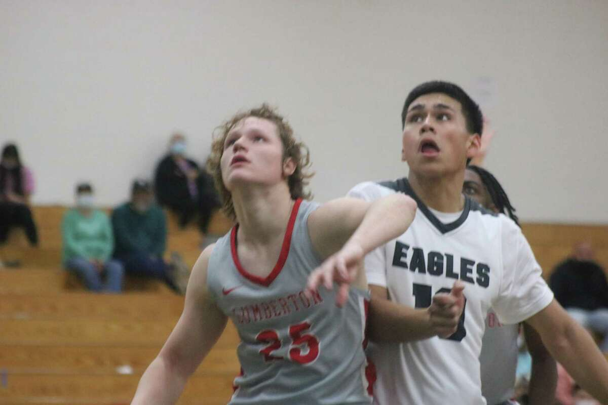 Pasadena's Kevin Juarez (10) and a Lumberton player watch to see what the outcome of a Pasadena foul shot will be in the fourth period. Juarez led the Eagles with 16 points on eight buckets.