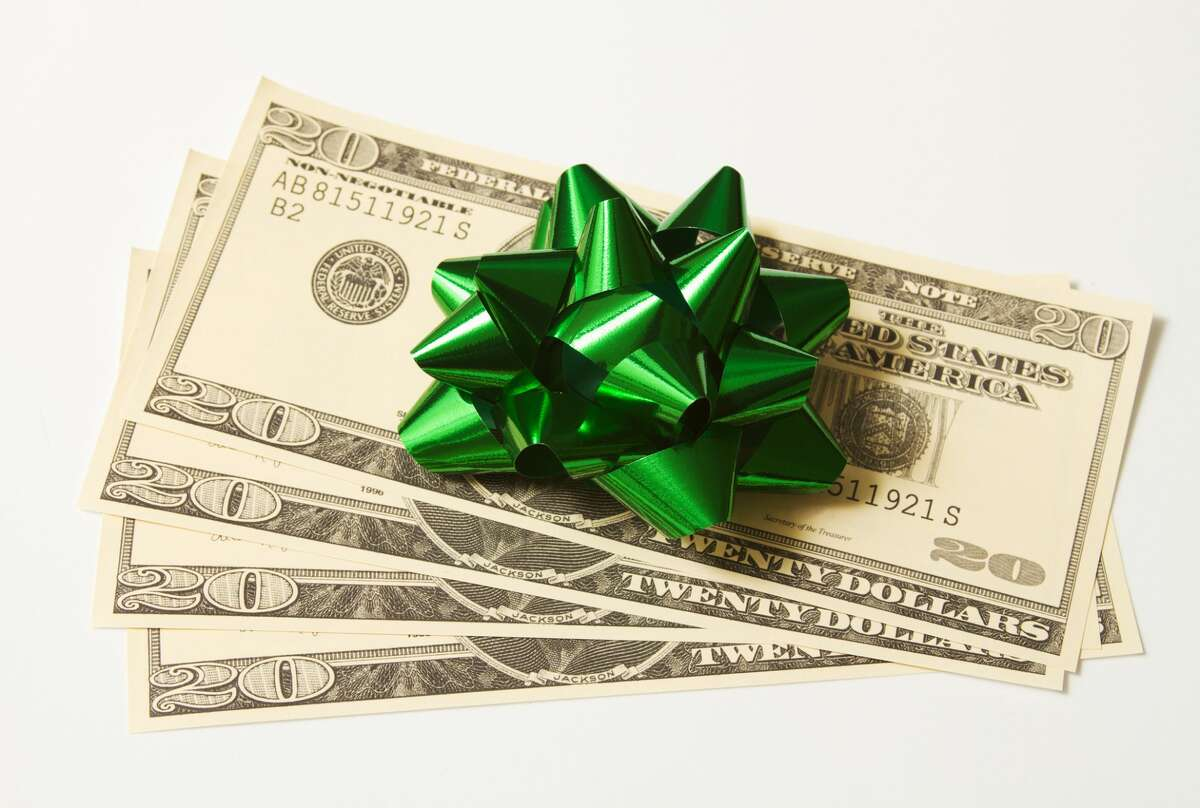 When it comes to holiday gratuity, it can be difficult to determine how much to spend and what gifts are acceptable, especially this year.