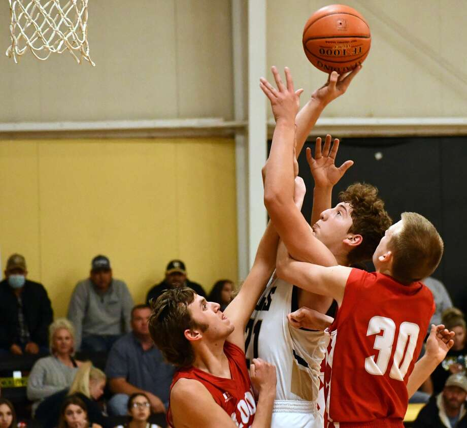Cotton Center's Zeke Saenz draws plenty of attention from opposing defenses as the 6-foot-3 sophomore has grown into a confident, polished player for the Elks. Photo: Nathan Giese/Planview Herald