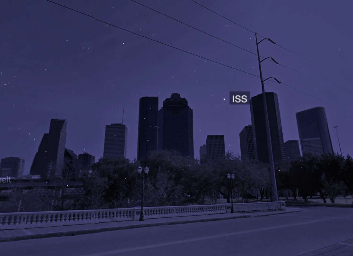 This screenshot from James Darpinian's website shows what the ISS will look like over Houston on Wednesday evening.