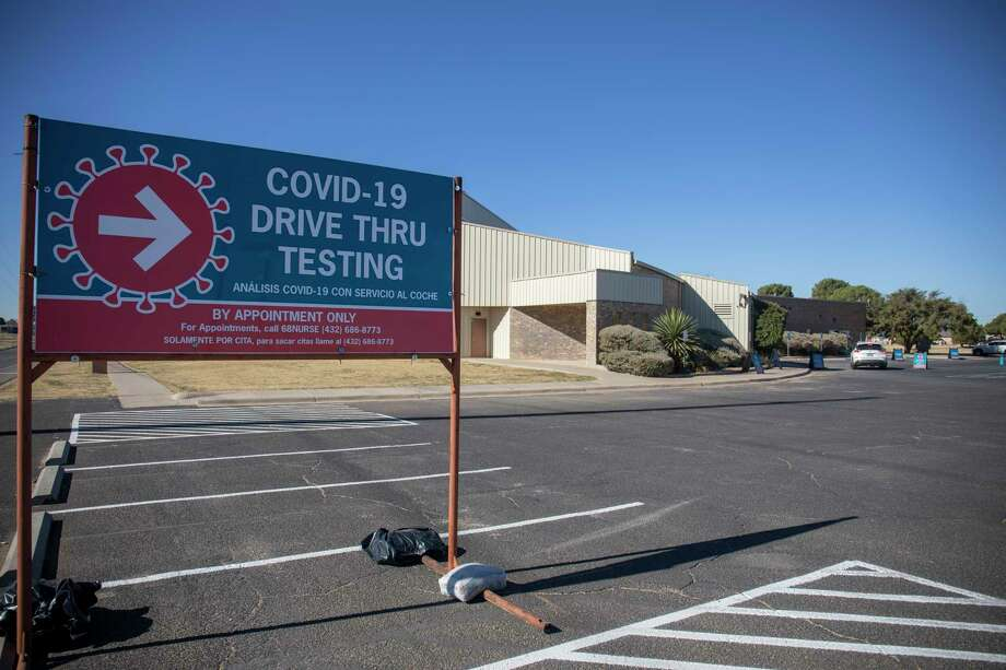 Midland Memorial Hospital opened another coronavirus drive-thru testing site as seen Wednesday, Dec. 9, 2020 at Martin Luther King Jr. Community Center.   Jacy Lewis/Reporter-Telegram Photo: Jacy Lewis/Reporter-Telegram