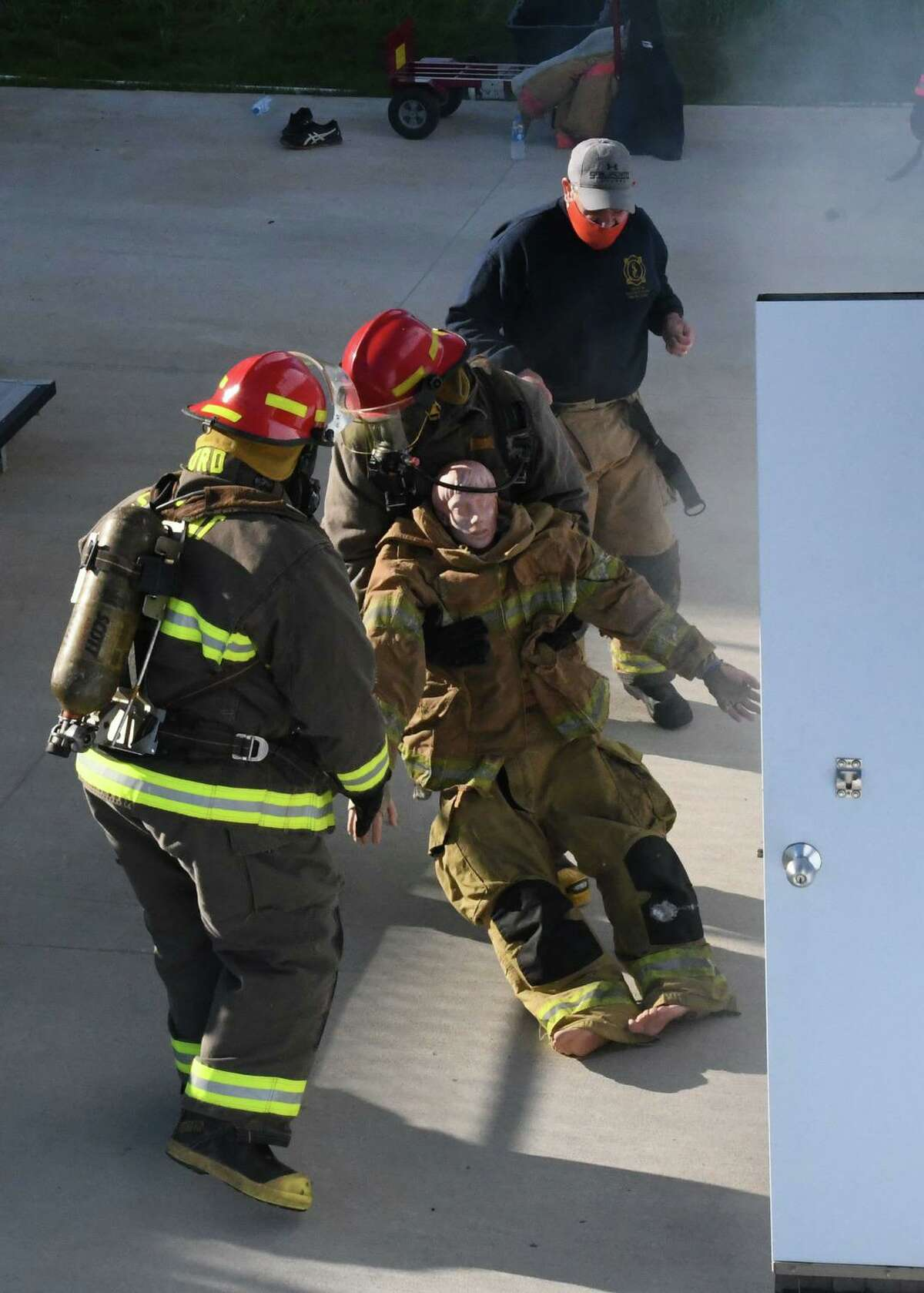 The field is equipped with a confined space entry hatch used to train for vertical entry into a confined space. The field also gives trainees the opportunity to utilize portable extinguishers to fight different types of fires.