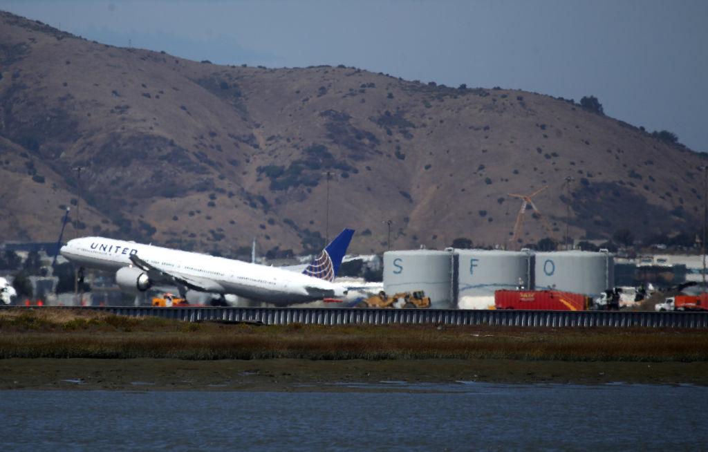 Airline news: SFO delays coming, Delta drops some Bay Area routes