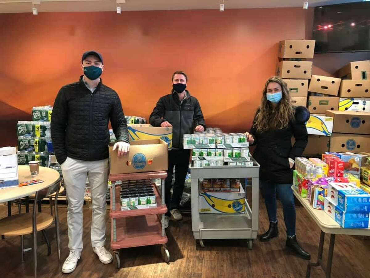 Vox Church has successfully completed its goal of collecting and distributing 20,000 cans of food to support local food pantries.