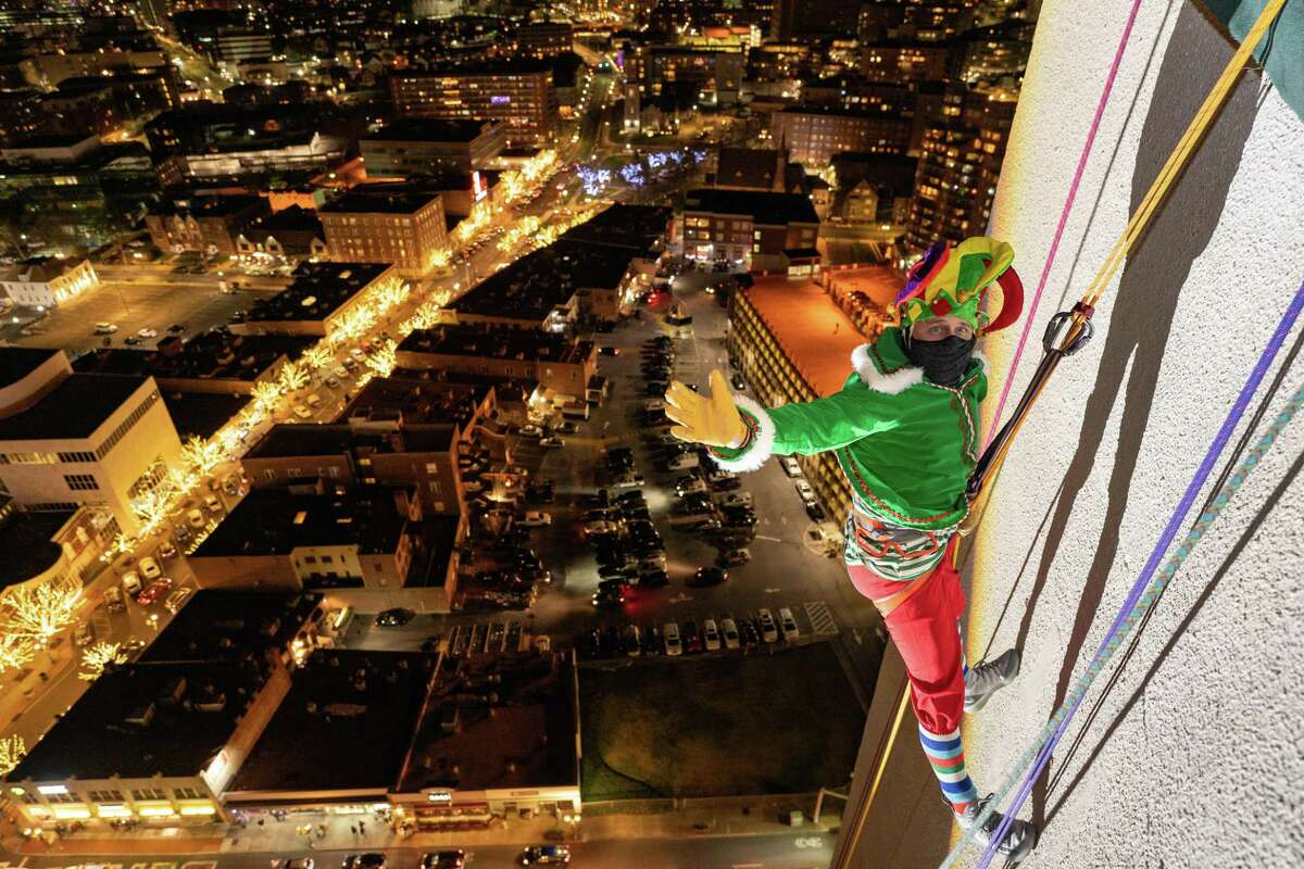 New York Yankees General Manager Brian Cashman has rappelled down One Landmark Square as a part of Stamford's annual holiday celebration for the last decade. This year, Cashman's daring will be broadcast on YES Network - the Yankees' TV channel - to keep the holiday spirit going