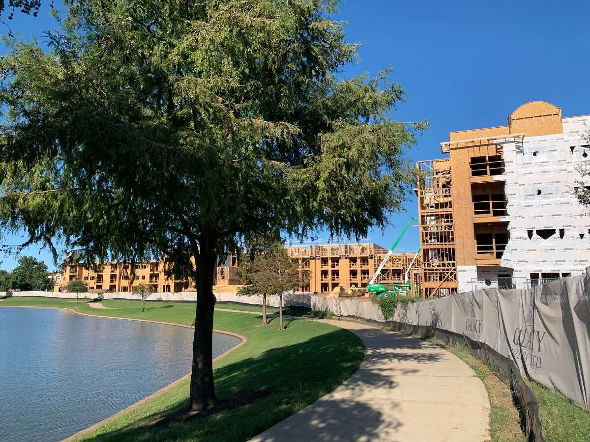 A Houston-based partnership made up of partners from Buckhead Investment Partners and Zane Segal Projects is developing Arista Riverstone, a 142-unit active adult apartment community at 18401 University Blvd. in Sugar Land.