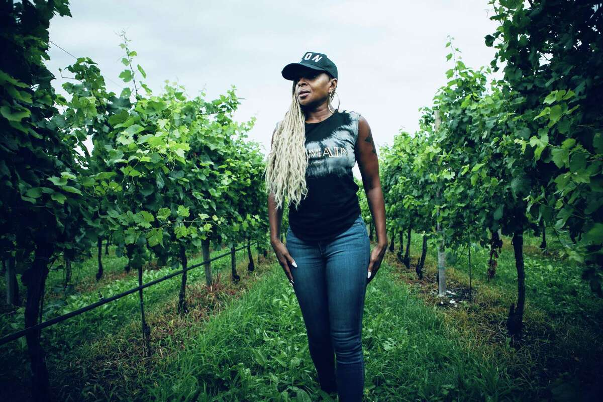 Mary J. Blige on her new pinot grigio, Kamala Harris and her holiday plans