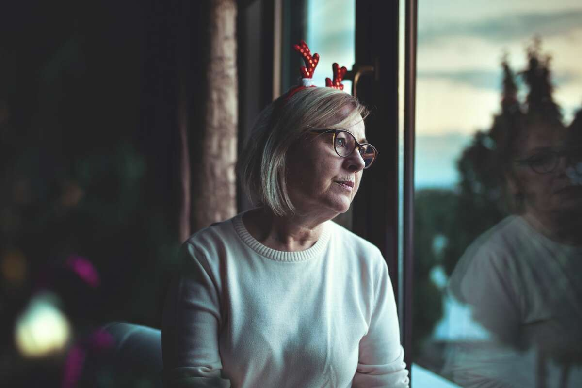 A grandmother is upset about her grandkids not receiving her gifts.