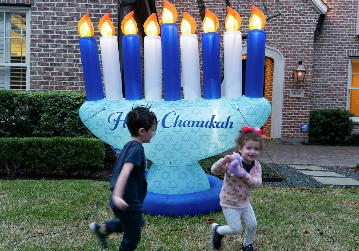 The Davis family is one of eight to sign up for the Jewish Federation of Greater Houston's inaugural event.