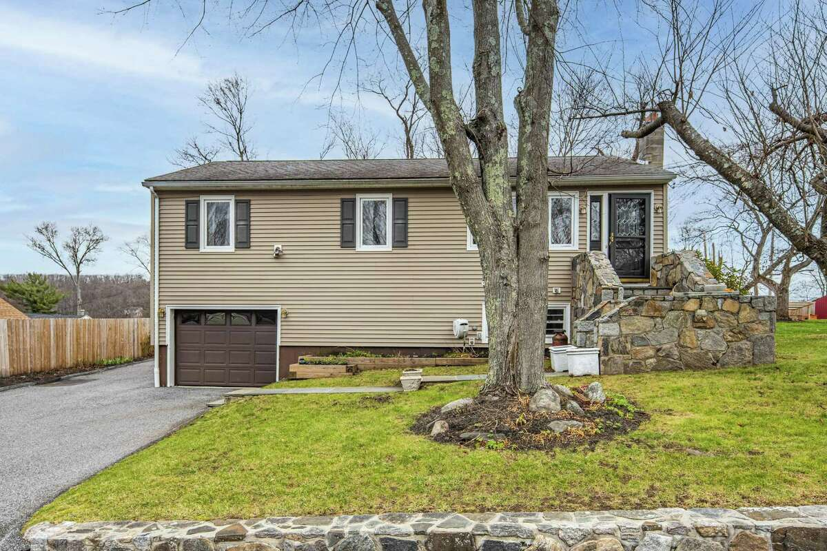 53 Clearview Ave., Danbury
