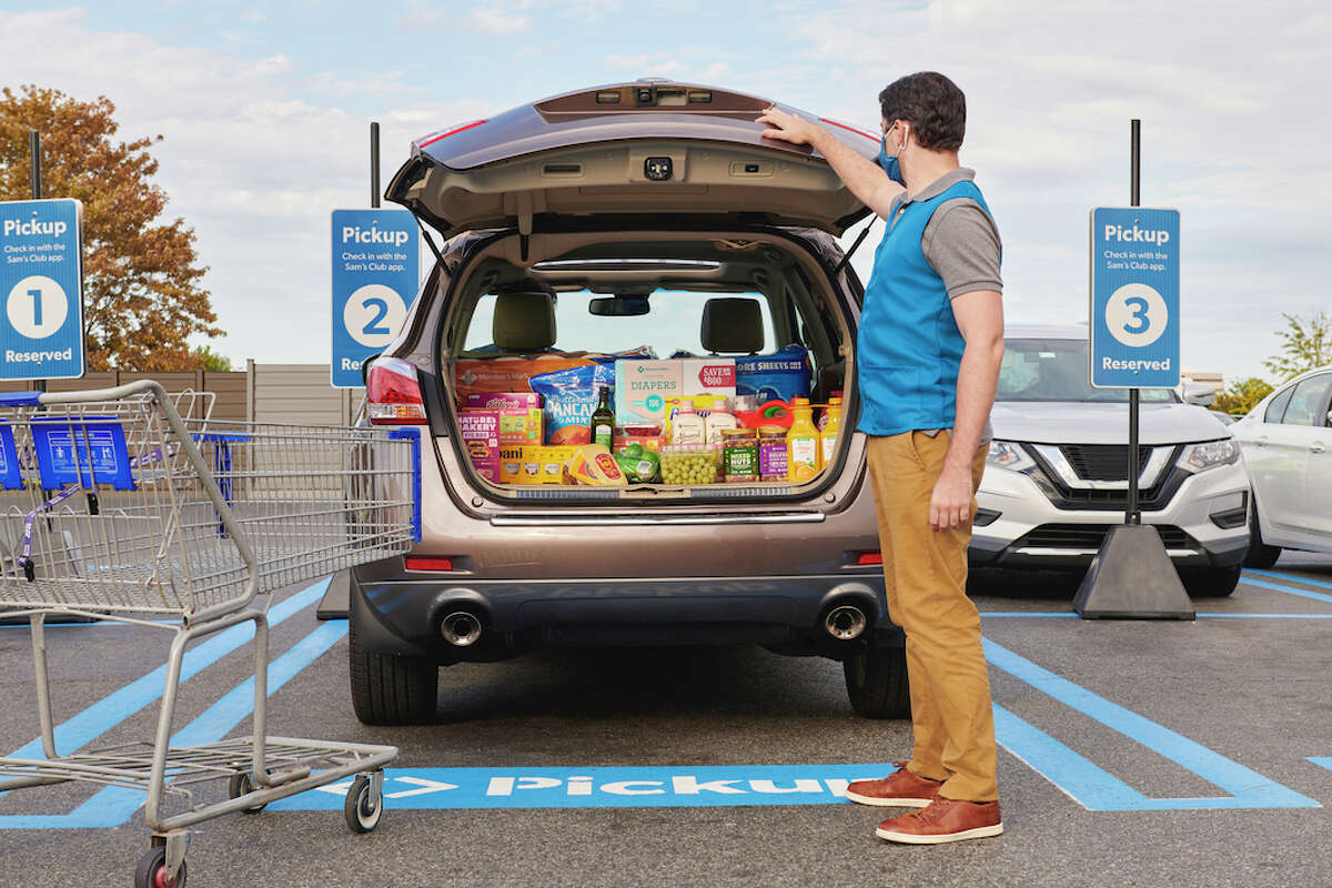 Make last-minute holiday shopping simple with the convenience of curbside Pickup at Sam's Club.