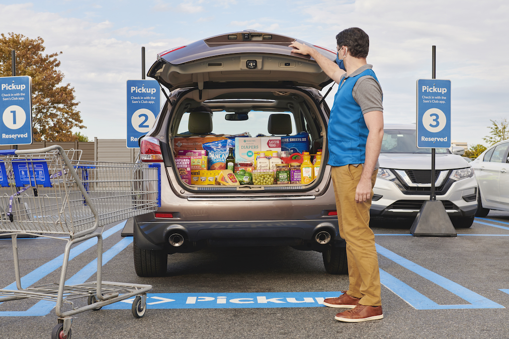 Make last-minute holiday shopping simple with the convenience ofcurbside Pickup at Sam's Club.