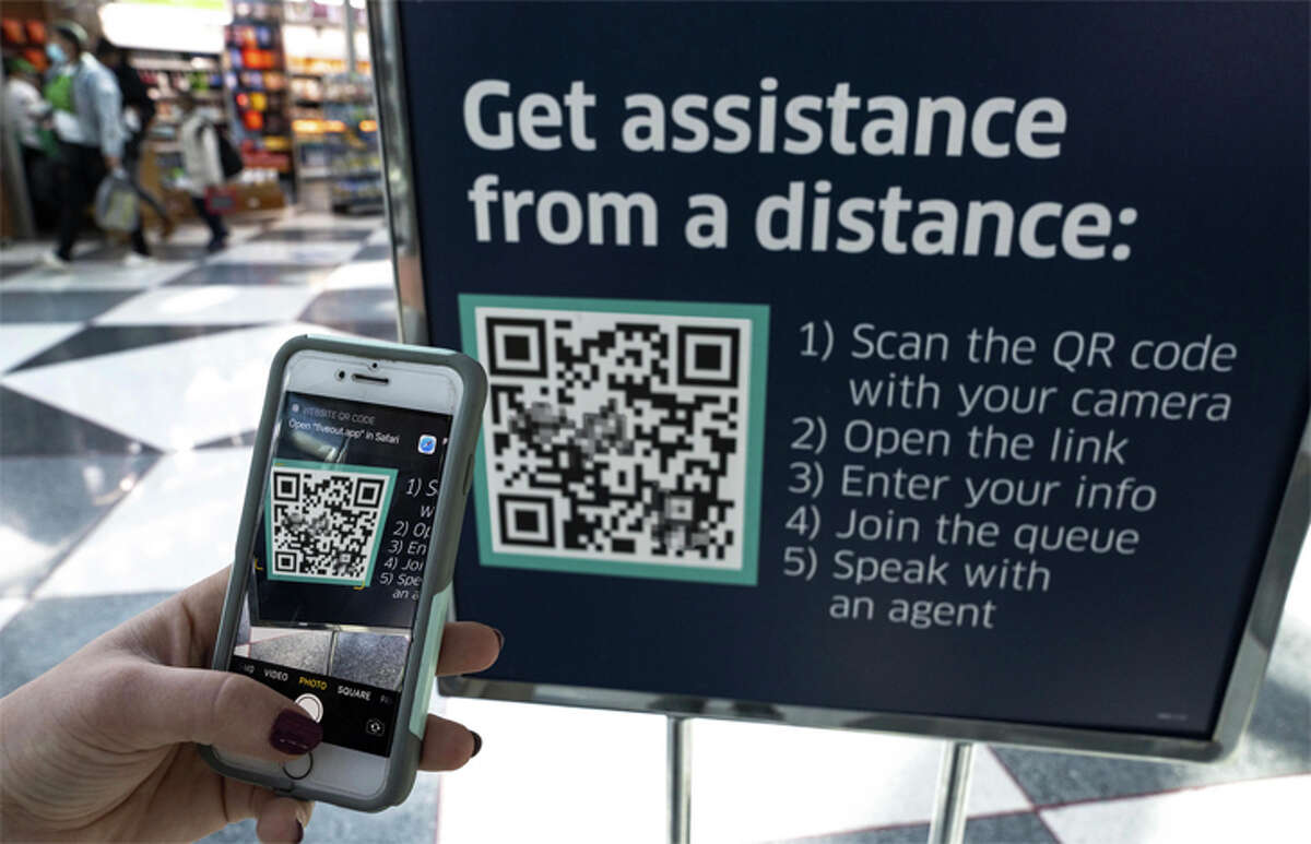 A new service from United lets passengers contact a company rep at the airport via any mobile device.