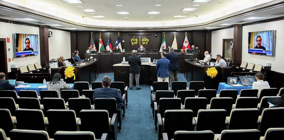 Laredo City Council members discuss expanding options for citizen's commenting during council meetings, Tuesday, Sep. 8, 2020, at City Hall. Photo: Danny Zaragoza, Staff Photographer / Laredo Morning Times