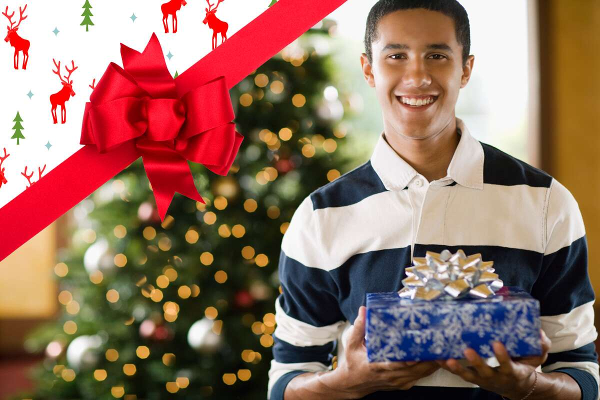 If you're wondering what gifts to buy teen boys, look no further!