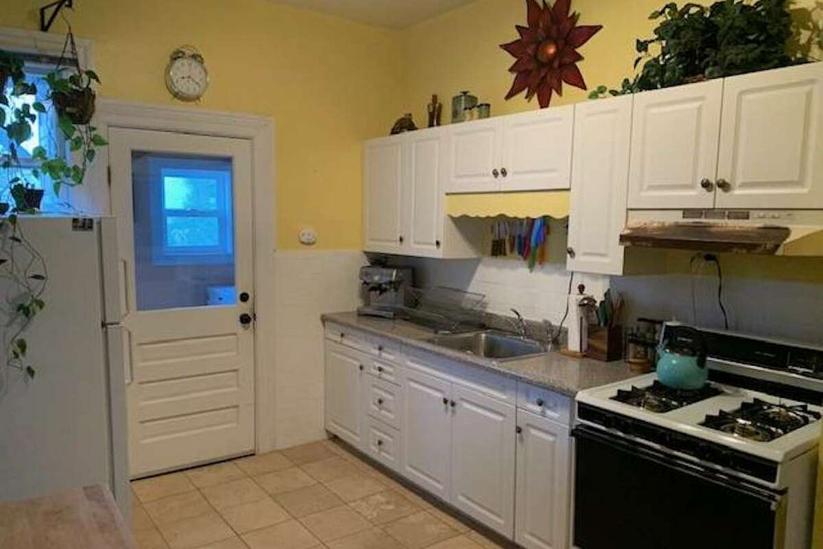 The kitchen looks like it even comes with an espresso machine.