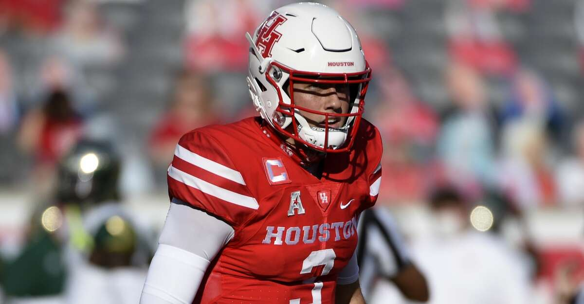 Houston quarterback Clayton Tune looks to the sideline during the first half of an NCAA college football game against against South Florida, Saturday, Nov. 14, 2020, in Houston. (AP Photo/Eric Christian Smith)