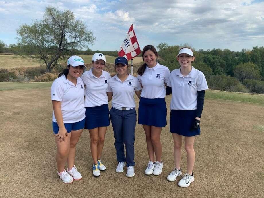 The Alexander Lady Bulldogs won the Lady Longhorn Golf Invitational this weekend. Photo: Courtesy Of Alexander Athletics