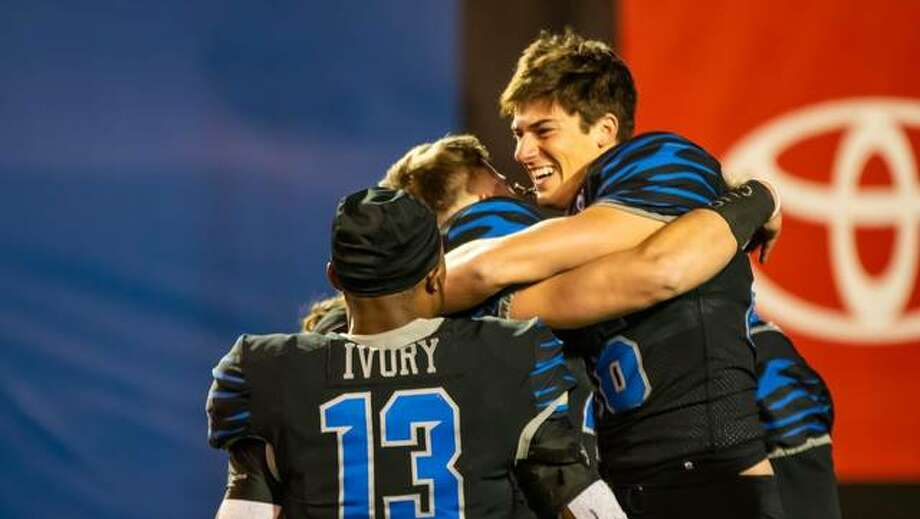 Memphis kicker Riley Patterson celebrates after kicking a game-winning field goal against Houston on Saturday in Memphis.