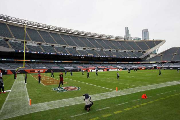 Houston Texans players warm up before an NFL football game against the Chicago Bears at Soldier Field Sunday, Dec. 13, 2020, in Chicago. Photo: Brett Coomer, Staff Photographer / © 2020 Houston Chronicle