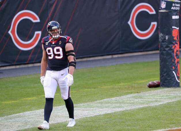 Houston Texans defensive end J.J. Watt walks around the back of the end zone before an NFL football game against the Chicago Bears at Soldier Field Sunday, Dec. 13, 2020, in Chicago. Photo: Brett Coomer, Staff Photographer / © 2020 Houston Chronicle