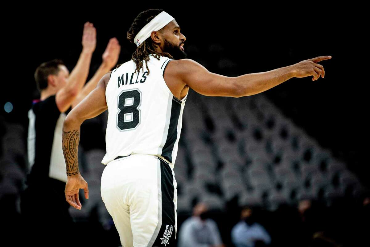Patty Mills entered an exclusive club of beloved Spurs Sunday night when he played in a Silver & Black jersey for the 600th time.