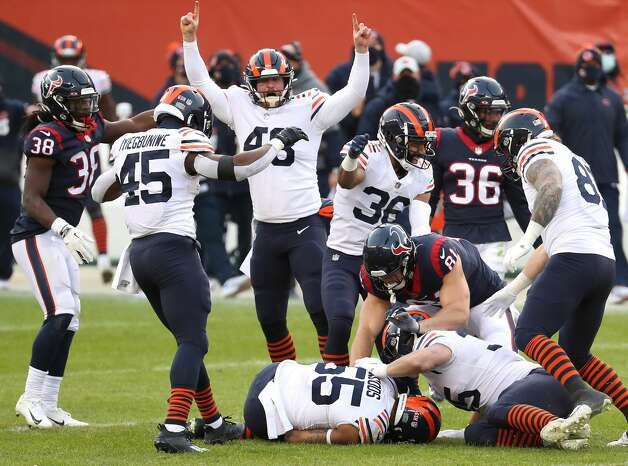 Chicago Bears linebacker Josh Woods (55) recovers a fumble by Houston Texans wide receiver Keke Coutee during the second half of an NFL football game at Soldier Field Sunday, Dec. 13, 2020, in Chicago. Photo: Brett Coomer/Staff Photographer / © 2020 Houston Chronicle