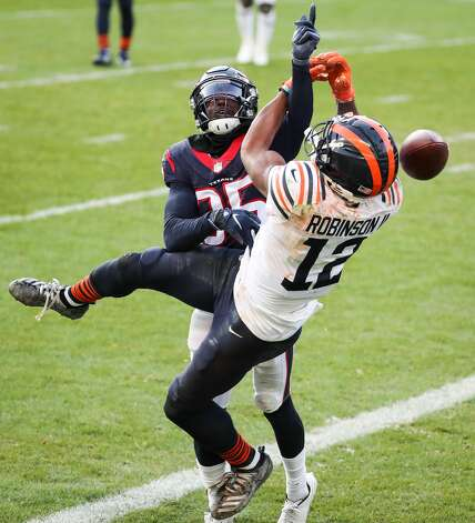 Houston Texans cornerback Keion Crossen (35) breaks up a pass intended for Chicago Bears wide receiver Allen Robinson (12) during the second half of an NFL football game at Soldier Field Sunday, Dec. 13, 2020, in Chicago. Photo: Brett Coomer/Staff Photographer / © 2020 Houston Chronicle