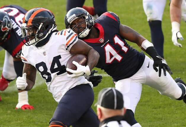 Chicago Bears wide receiver Cordarrelle Patterson (84) runs past Houston Texans inside linebacker Zach Cunningham (41) during the second half of an NFL football game at Soldier Field Sunday, Dec. 13, 2020, in Chicago. Photo: Brett Coomer/Staff Photographer / © 2020 Houston Chronicle