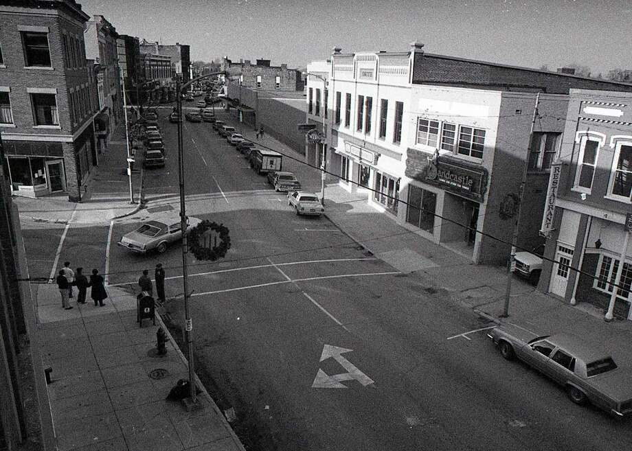 This photo shows the view of looking down on River Street near the corner of River and Greenbush in early December 1986. (Manistee County Historical Museum photo)