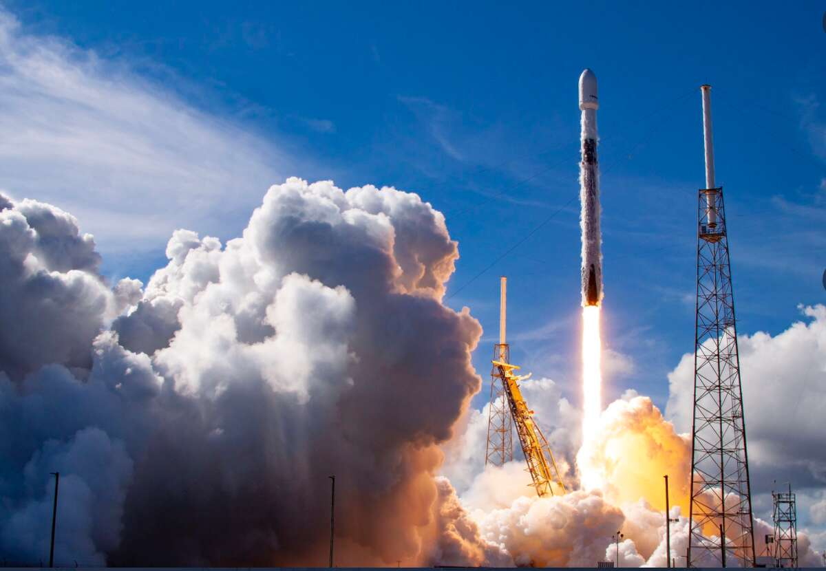 SpaceX successfully launched the Falcon 9 rocket carrying a huge satellite for SiriusXM.