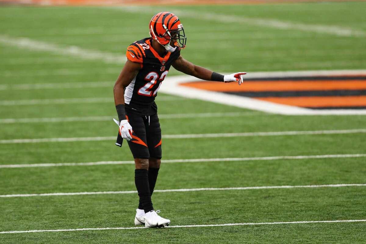 Cincinnati Bengals cornerback William Jackson (22) plays against the Dallas Cowboys in the second half of an NFL football game in Cincinnati, Sunday, Dec. 13, 2020. (AP Photo/Aaron Doster)
