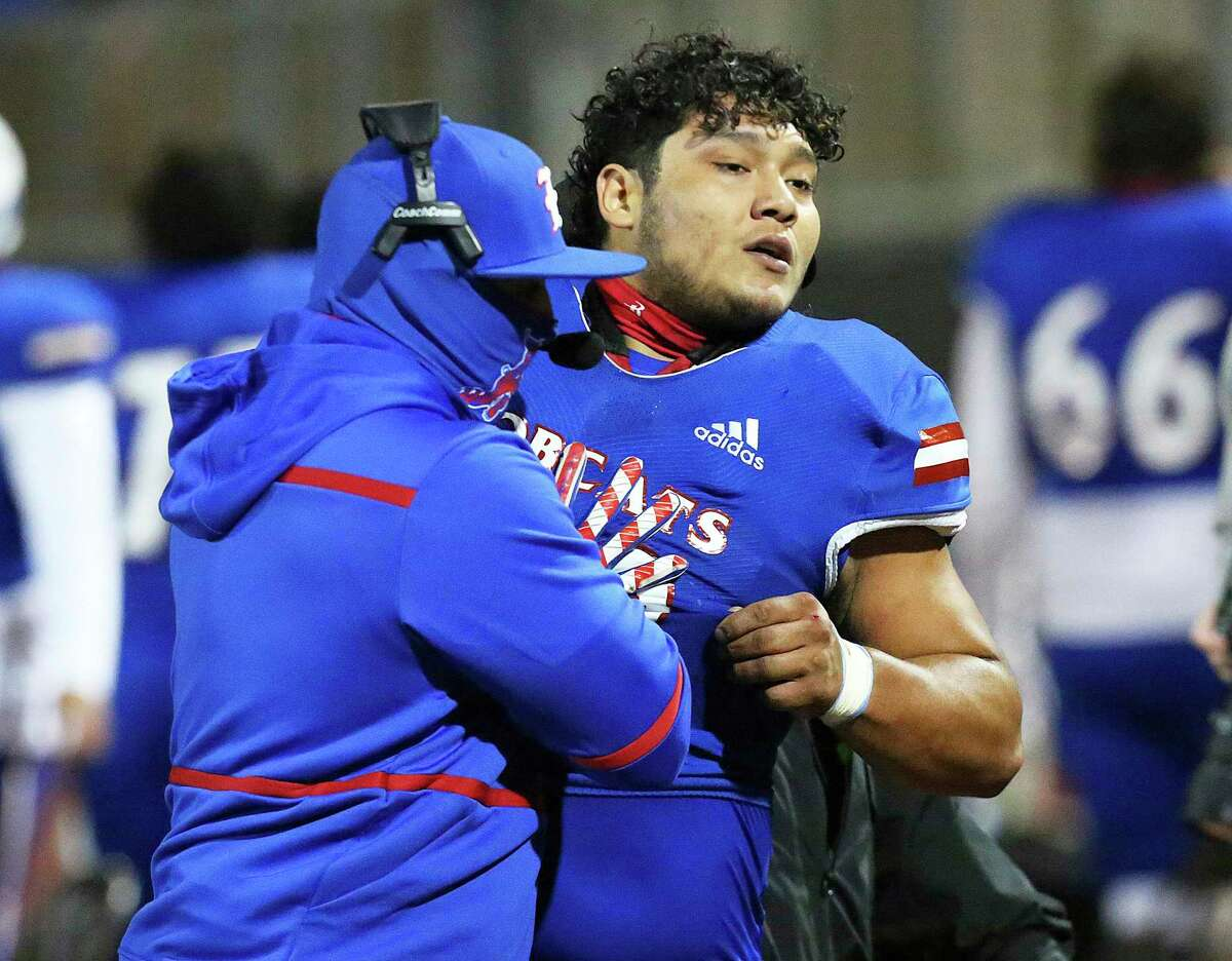 Edinburg's Emmanuel Duron attacked a referee after being ejected from a game on Dec. 3 and he's now suspended.
