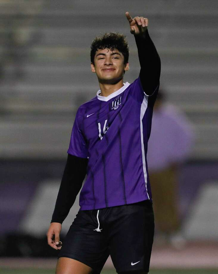 Willis' Christian Pavon (14) motions to fans in the stands during the first period of a District 20-5A high school soccer match at Berton A. Yates Stadium, Tuesday, Jan. 14, 2020, in Willis. Photo: Jason Fochtman, Houston Chronicle / Staff Photographer / Houston Chronicle © 2020