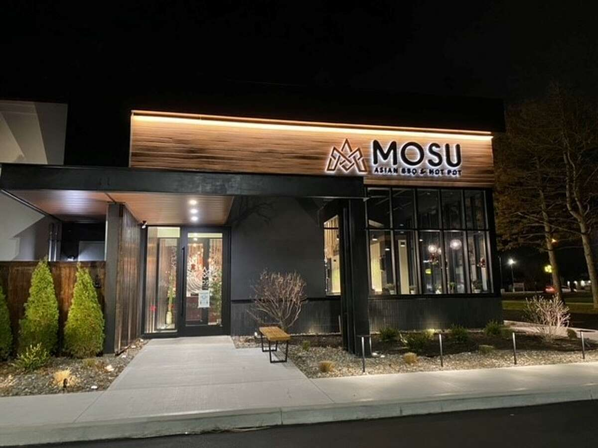 MOSU offers three types of dining experiences in their bar service, hot pot and Asian BBQ.