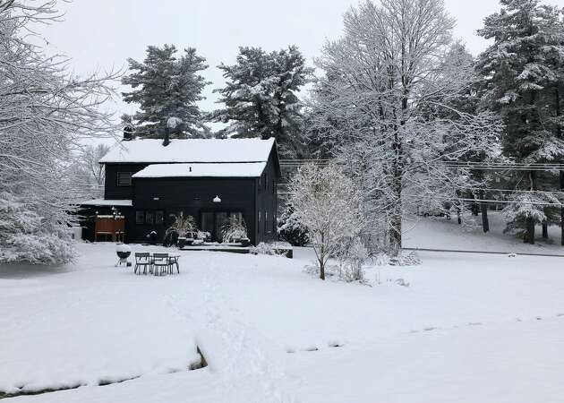 Story photo for 6 cozy Airbnbs that feed the winter soul